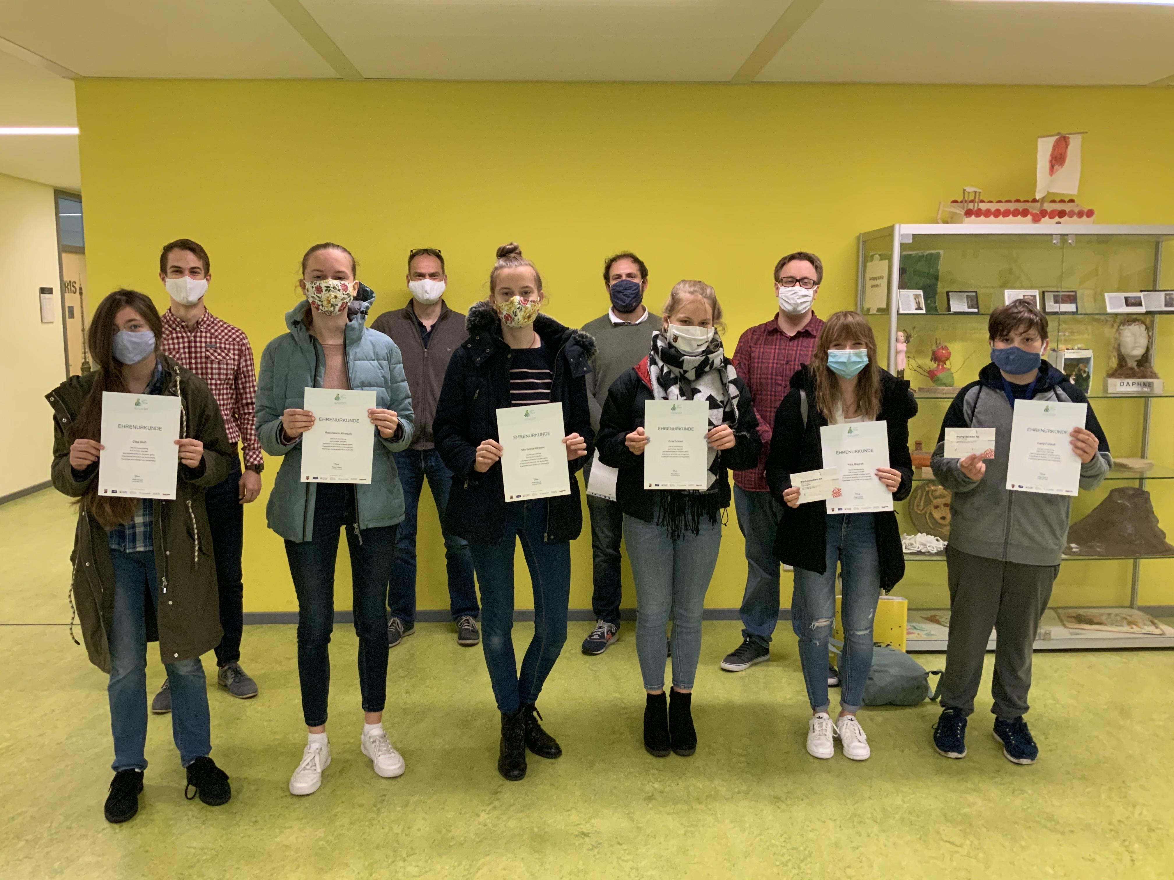 20-Preistraeger-GMO-Chemie-Wettbewerb-2020.jpg